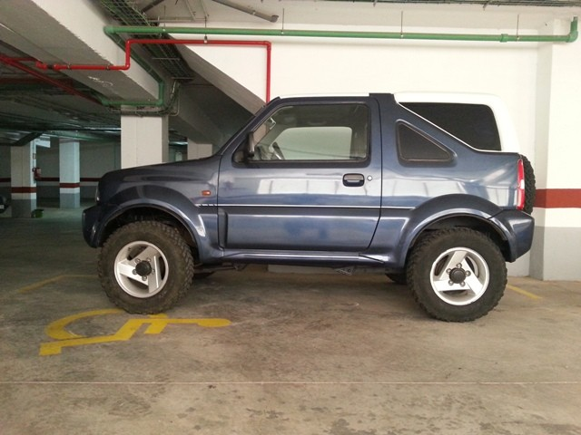 suzuki jimny 1 3 hardtop abs 2005 45000km. Black Bedroom Furniture Sets. Home Design Ideas